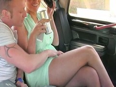 Crude couple fondles and fucks in a taxi