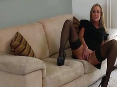 Horni Mom Seduced unconnected with a cougar