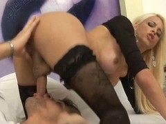 Hot Shemale Enjoys a Kinky Enactment
