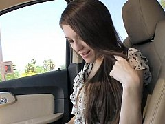 19 yo Sarah beefy head in a motor car