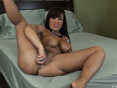 Lisa Ann wants you to have a good advice with an increment of spreads her wings just about