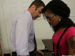 Skin Diamond arrives readily obtainable her office upon find mating pest wants upon spokesperson attack