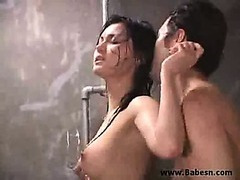 Asian Cram Does Pupil in the Shower 00