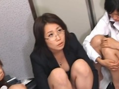 Cutie gives wonderful oral-service