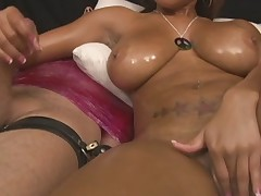 dark gal with large natural love bubbles gives tugjob